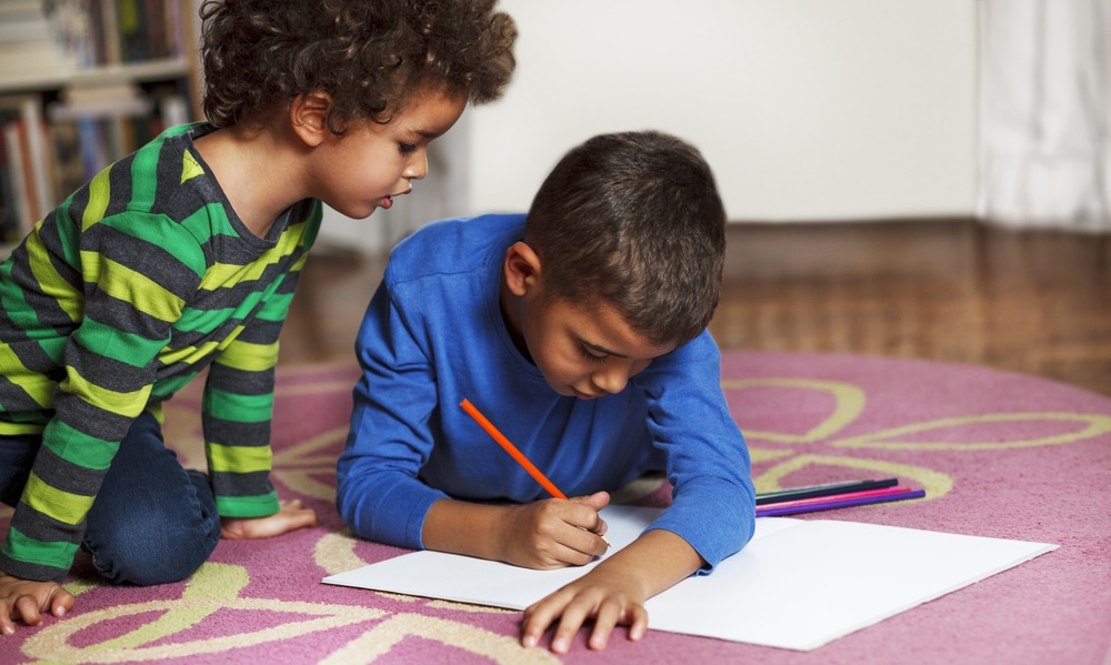 US-born children of unauthorized immigrants fall behind academically, but accessing social services can help